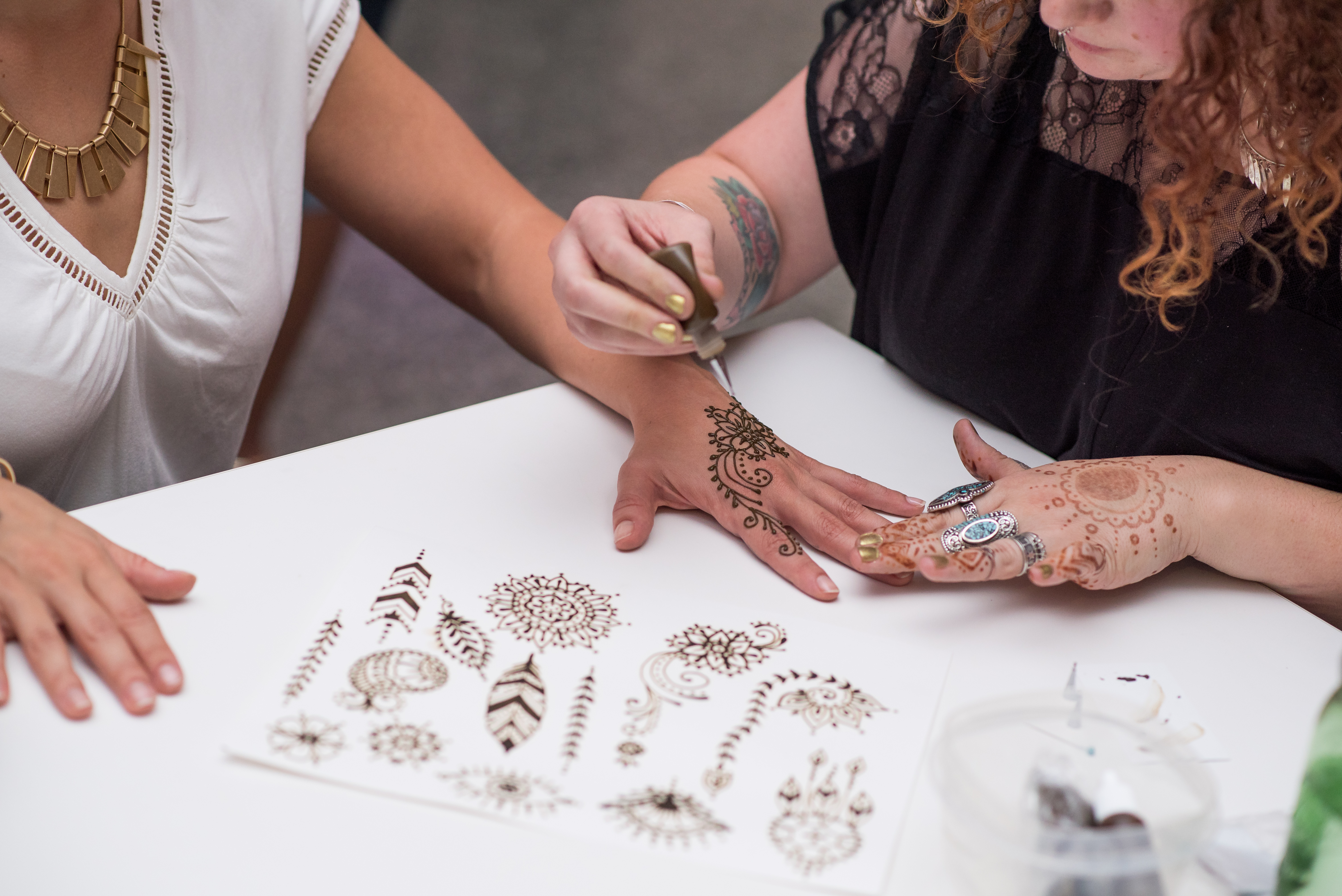 Anna Laura Hopper of the Gypsy Leaf will be doing Henna tattoos at Art On The Rocks.